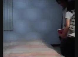 تنزيل مقطع فيديوهندي رومانسية مووووت وبوس تم في الحمام