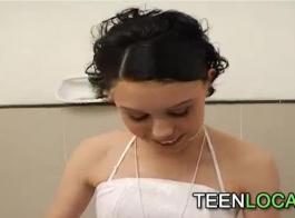 رائعتين يبلغ من العمر 18 عاما ميا مالكوفا