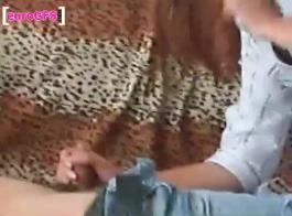 عامل فيديو صغير جدا تغيير شفتيها قذرة لذلك يريد عملائها أن تمتص