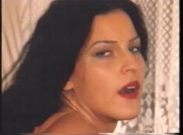 أنجيلا في الشرج العميق حتى نهاية الفيديو