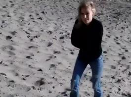تنزيل فيديوهات سكس تخسر في لعبه و ينيكها على موقعxnxx